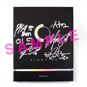 Light Us: 1st Mini Album(メンバー全員サイン入り)※スペシャル抽選会対象外